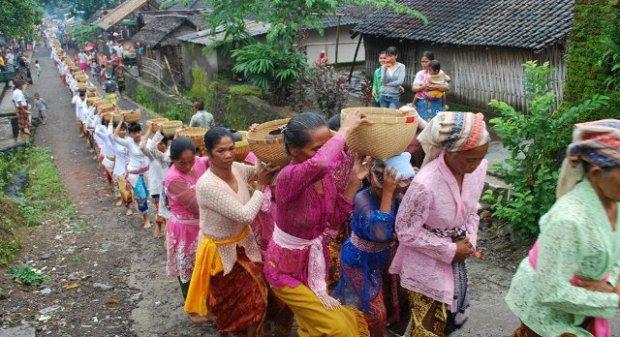 Bisok Beras, Maulid Adat Wet Sesait, Lombok Utara, 16-17 Februari (PHOTO BY : Fathul Rakhman)