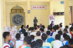School to school Road Show with Beemagz : SMA 8 Mataram