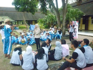 School to school Road Show with Beemagz : SMA 4 Mataram