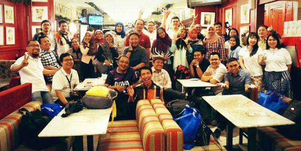 kumpul bareng blogger Hello  Nusantara (foto ngambil di grup, credit goes to one of bloggers :D)